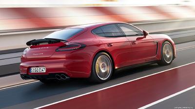 Porsche Panamera GTS picture 1