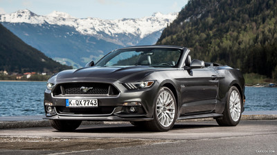 Ford Mustang GT Convertible picture 1